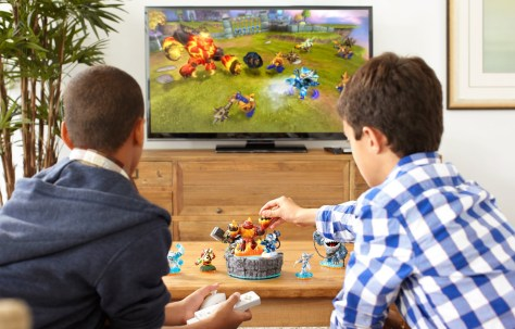 Skylanders-Giants_Lifestyle6