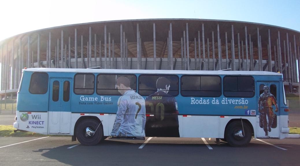 estádio ônibus com videogames