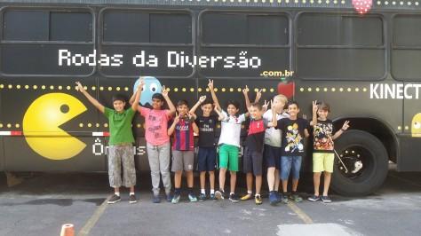 ônibus para festa infantil